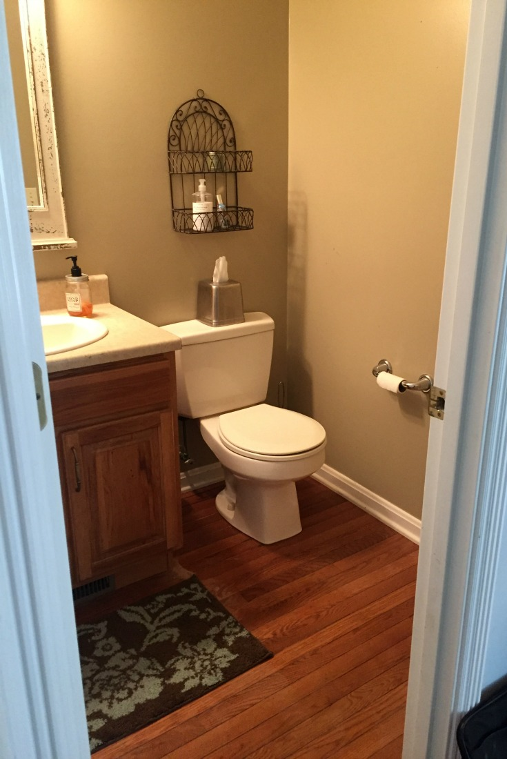 Do it yourself beautiful farmhouse bathroom remodel for Bathroom remodel 1 day