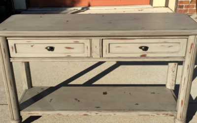 How to Bring Life Back to an Old Furniture Piece–Updating a Sofa Table