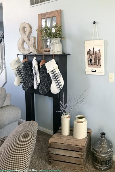 How to Make a Super Easy, Farmhouse Picture Frame