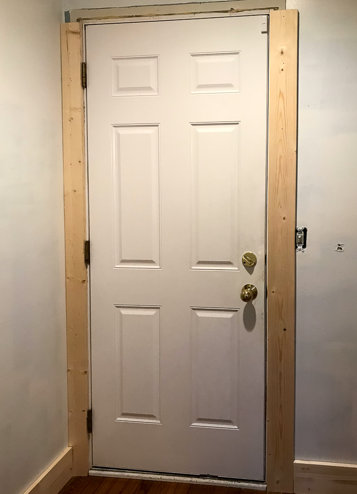 door with craftsman trim