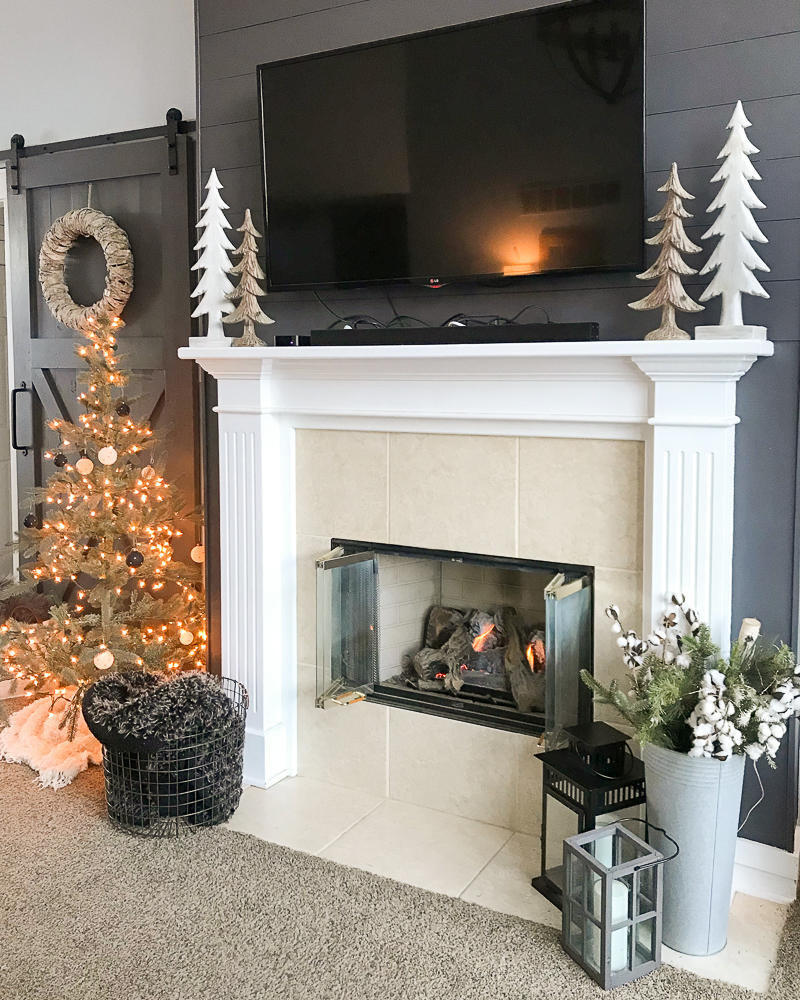 fireplace makeover before pic