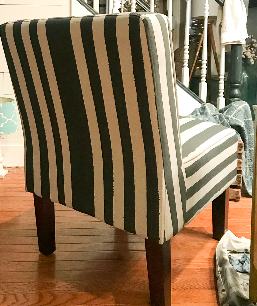paint a fabric chair with chalk paint gray with black stripes