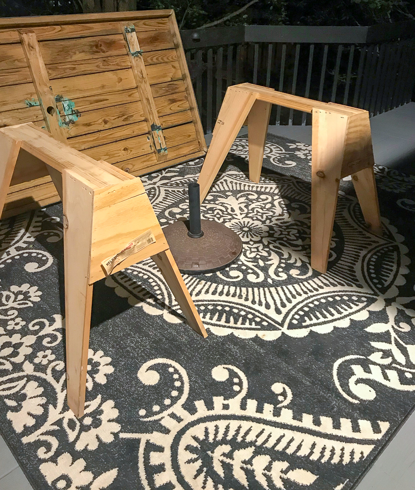 Two workbenches for table legs