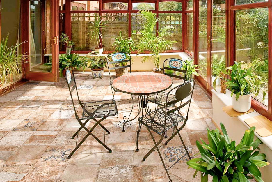 sunroom with table and chairs