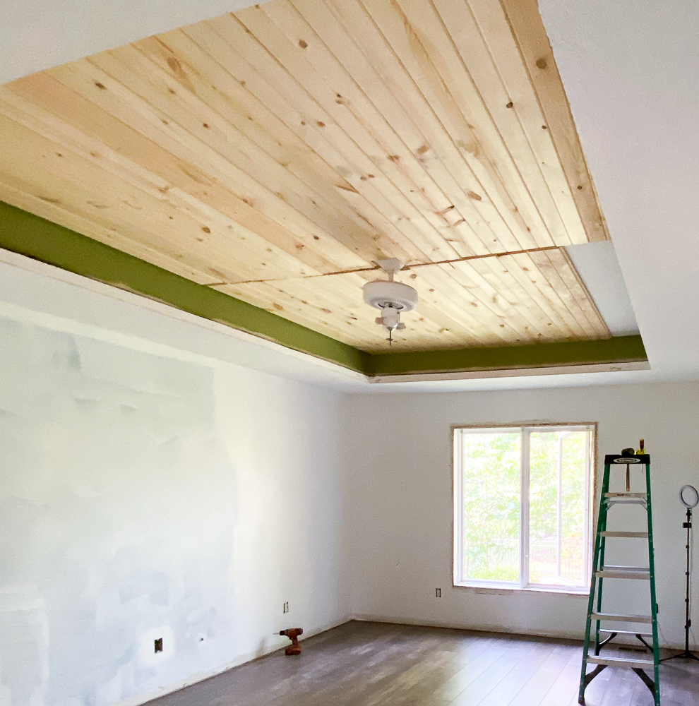 Carsiding in tray ceiling
