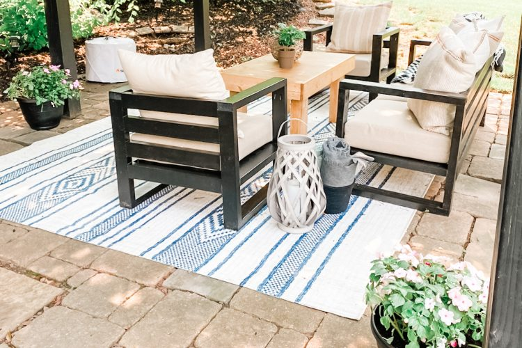 Easy How to Build DIY Modern Outdoor Chairs